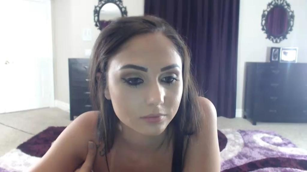 Ariana Marie on camsoda webcam